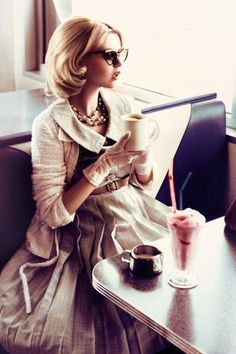 This photo has a very classy and retro feel, I like the doll-like stature of the model and the clothes she's wearing look very delicate and vintage. Retro Mode, Mode Vintage, Retro Chic, Vintage Style, Vintage Cafe, Retro Vintage, Dame Chic, How To Have Style, Pause Café