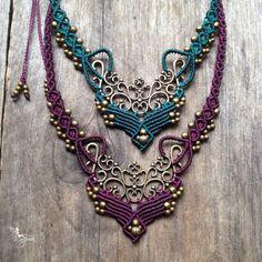 Micro Macrame necklace. Leuk combinatie met metalen sieraad