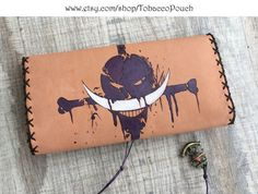 Genuine Leather Tobacco Pouch with pyrography, skull Leather Tobacco Pouch, Leather Pouch, Leather Engraving, Leather Dye, Make A Gift, Pyrography, My Bags, Diy And Crafts, Christmas Gifts