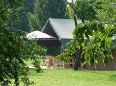 Heerlijk adres in de Lot; Huis aan de Lot. Hier huur je een gite, kamer of een safaritent.   http://www.mrsnomad.nl/