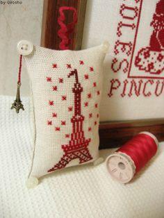 Eiffel Tower Designer / Book - Cartonnage Brode (Sophie Deraborde & Sylvie Castellano) Stitch Count / 40W * 60H Fabric / 36ct Edinburgh Linen Zweigart - Flax Thread / DMC - Variation 75