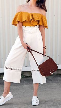 Pantacourt - How to Use, Spring Outfits, Pantacourt - How to Use - Tábata Bueno. Style Outfits, Trendy Outfits, Girl Outfits, Fashion Outfits, Overalls Fashion, Cute Summer Outfits, Spring Outfits, Casual Summer, Cute Summer Clothes