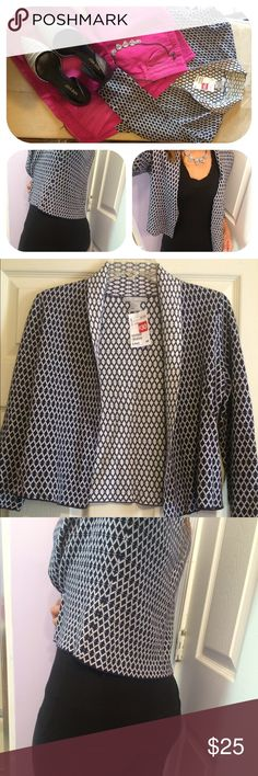 Cardigan blazer Black and white geo print cardigan blazer.  Dress up or down.  White and black reverse geo print inside, however it's NOT REVERSIBLE. H&M Tops