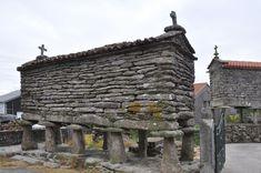 Stone Masonry, Brick And Stone, Historic Architecture, Architecture Design, Sheds, Old Photos, Cabins, Mud, Sticks