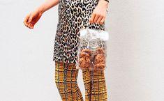 Julia Skergeth verbindet Taschen mit Cookies als wäre es das Natürlichste der Welt. Wir haben mit der Designerin über ihr neues Projekt gesprochen! Voss Bottle, Form, Women, Designer Bags, Pride, World, Woman