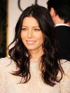 I'm not at all upset that my face looks a little like Jessica Biel's. It'd be nice tho if my body looked a little like hers