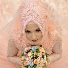 Muslim Wedding Gown, Muslimah Wedding Dress, Hijab Bride, Wedding Hijab, Wedding Veils, Wedding Dresses, Muslim Fashion, Hijab Fashion, Bridal Hijab Styles