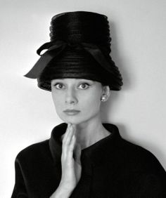 thefashionofaudrey: Audrey Hepburn photographed by Cecil Beaton at her house in Switzerland, in January 1960. -Audrey was wearing creations of Givenchy (velvet suit, jacket and skirt, and a hat of woven straw with a satin bow, created especially for her). http://24.media.tumblr.com/0a961162e5deb91ab5e345f426e69b32/tumblr_mlptgjxJDJ1r41rcao1_500.jpg