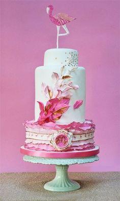 Pink flamingo cake...hmmmmmm wonder who would LOVE this???????????