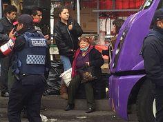 Camión atropella a dos mujeres en paradero de Taxqueña