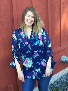 XO Kerry | February Stitch Fix Review Kut From The Kloth Sinclaire Floral Print Button-Up Blouse & Liverpool  Kay Skinny Jean @stitchfix #stitchfix