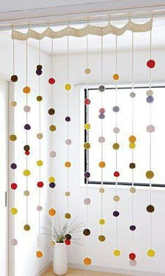 Beautiful Free Crochet Curtain Patterns Too cute! Hanging pom poms threaded on yarn. Hanging pom poms threaded on yarn. Crochet Curtain Pattern, Crochet Curtains, Curtain Patterns, Pom Pom Curtains, Easy Curtains, String Curtains, Tulle Poms, Crochet Patterns, Felt Patterns