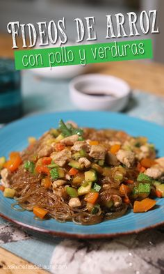 Healthy Food and Mexican Healthy Food Chinese Noodles with Chicken My Recipes, Chicken Recipes, Healthy Recipes, Healthy Food, Rice Noodle Recipes, Deli Food, Oriental Food, Chow Mein, Rice Noodles