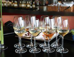 Wein und Schokolade? Flute, Wine Glass, Champagne, Tableware, Wine Cellars, Chocolates, Dinnerware, Tablewares, Flutes