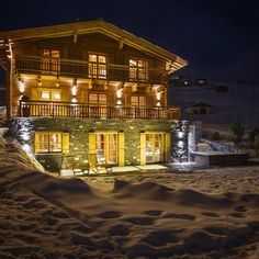 """Luxury Chalet Uberhaus #lech #austria #skiboutique #luxury #alpine #chalets & #boutique #hotels #ski #snow #style #skiing #mountains #alps #love…"""