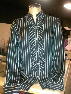 Ralph Lauren silk shirt sz S excellent condition. $7.99