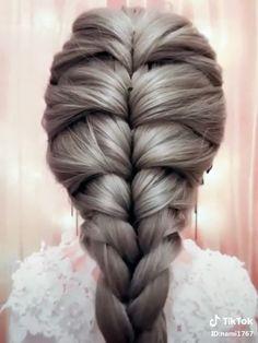 ル 【ロ ン グ】 単 編 み 込 み ス ル イ - Косы Frisuren hochzeit Easy Hairstyles For Long Hair, Up Hairstyles, Beautiful Hairstyles, Cool Girl Hairstyles, French Plait Hairstyles, Cool Hairstyles For School, French Braids, Medium Hair Styles, Curly Hair Styles