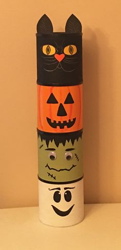 Halloween coffee can totem. Coffee cans. Altered Bottles, Diy Makeup, Halloween Diy, Coffee Cans, Holidays, Canning, How To Make, Crafts, Holidays Events