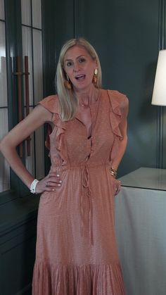 ASHLEY GILBREATH INTERIOR DESIGN: In this video, Ashley, in collaboration with Ballard Designs and Flower Magazine, shares organizational tips to keep your office stylish and clutter free. Ashley Gilbreath, Ballard Designs, Organizing Your Home, Clutter, Home Projects, Home Office, Cold Shoulder Dress, Organization, Magazine