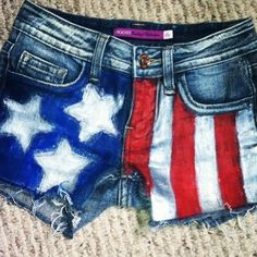 Patriotic pretty shorts have never been easier - just use fabric paint!