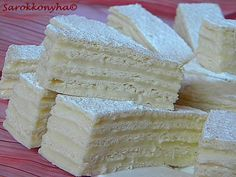 Román nyelvű blogon láttam meg a sütit, de amikor a receptet olvastam jöttem rá, hogy nem más, mint a gyerekkoromban sokszor készült szala...