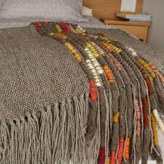 Carmen Morandé - Chile Weaving Textiles, Textile Fabrics, Weaving Art, Weaving Patterns, Tapestry Weaving, Loom Weaving, Hand Weaving, Woven Rug, Woven Fabric
