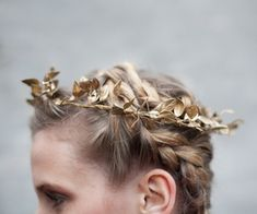 angel costume// The House That Lars Built.: How to make: holiday leaf crown Fleur Delacour, Artemis, Sarah J Mass, Christa Renz, The Wicked The Divine, Captive Prince, Leaf Crown, Yennefer Of Vengerberg, Throne Of Glass