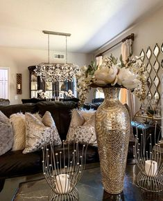 Happy Saturday 💖hope you all have a great day . both of my girls have amazing swipe up links make sure to check them. Glam Living Room, Living Room Decor Cozy, Elegant Living Room, Home And Living, Bedroom Decor, Home Decor Inspiration, Decor Ideas, Room Ideas, Living Room Designs
