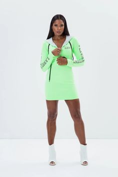 Labellamafia Green Fluo Sport Dress – DXHIVE Vanity Ready to go do some sports or to go for a casual outing, this is it! Color: Fluo Green #dxhivevanity#labellamafia#lbmdresses#sportivedresses #greenneondress#sportswear#casualwear#labellamafialeggings#leggings#sport#fitness #fitnessgirl#topleggings