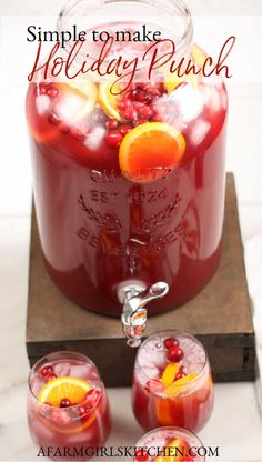 Holiday Punch Recipe, Party Punch Recipes, Holiday Recipes, Spiked Punch Recipes, Simple Fruit Punch Recipe, Cranberry Punch Recipes Non Alcoholic, Holiday Foods, Christmas Recipes, Christmas Drinks