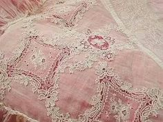 Yummy antique lace