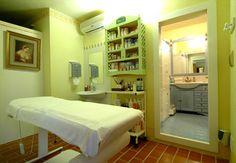 Risultato della ricerca immagini di Google per http://www.saturniarelax.it/hotel/4-stelle/saturno-fonte-pura-saturnia/immagini/estetica.jpg