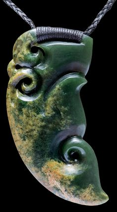 New Zealand flower jade Manaia by Ewan Parker and Wayne Turnbull… Abstract Sculpture, Wood Sculpture, Bronze Sculpture, Ethnic Jewelry, Maori Tribe, Jade, Maori Patterns, Nz Art, Maori Art