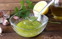 Cómo hacer salsa ajo-limón y perejil para pescados