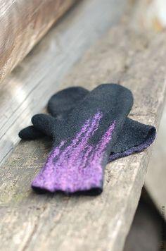 """Купить Варежки """"Фиолетовый на черном"""", шерсть, войлок - фиолетовый, розовый, сиреневый, варежки, рукавички"""