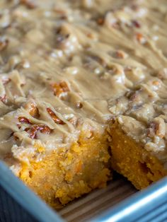 Pecan Praline Sweet Potato Cake – 12 Tomatoes And the frosting is completely addictive! Eggs And Sweet Potato, Sweet Potato Dessert, Sweet Potato Muffins, Sweet Potato Recipes, Sweet Potato Cheesecake, Sweet Potato Cakes, Southern Sweet Potato Cake Recipe, Sweet Potato Pecan Pie, Chicken Recipes