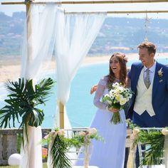 #tropical #beach #wedding #weddingday #realwedding #beachwedding #weddingarches #tropicalwedding #bride #groom #bohowedding #bohochic #blue ##sea #love