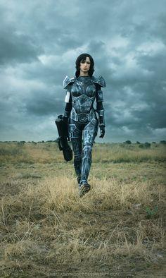 Mass Effect female cosplay...amazing!