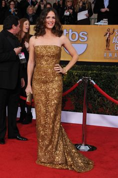 Jennifer Garner arrives at the 19th Annual Screen Actors Guild Awards at the Shrine Auditorium in Los Angeles on Jan. 27, 2013. See more celebs on Wonderwall: http://on-msn.com/XLiXCl