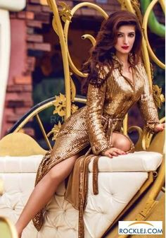 Twinkle Khanna Gorgeous Hot Photoshoot for Vogue India August 2014