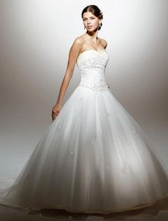 (NO.001080)2010 Style Ball Gown Sweetheart Court Train Organza Wedding Dress For Brides
