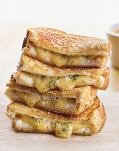 These ooey, gooey grilled cheeses may just be the best you've ever had. The combination of cream cheese and dill havarti makes for a super-creamy filling that's enhanced by the fresh dill inside. Grilled Cheese Recipes, Sandwich Recipes, Grilled Cheeses, Dill Recipes, Sandwich Ideas, Grilled Sandwich, Toaster Oven Recipes, Oven Vegetables, Hamburger Sliders