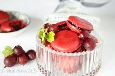 Macarons mit Stachelbeeren Konfitüre.