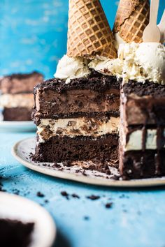 Triple-Layer Chocolate Fudge Ice Cream Cake 22 Chocolate Desserts That Are Better Than A Boyfriend Chocolate Ice Cream Cake, Fudge Ice Cream, Ice Cream Treats, Best Chocolate Cake, Ice Cream Desserts, Chocolate Treats, Chocolate Fudge, Homemade Chocolate, Frozen Desserts