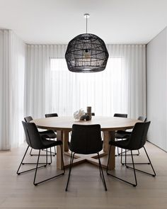 Thinking about a table and chairs similar to this for dining room. Dining Table Lighting, Dining Nook, Dining Room Design, Dining Room Table, Pendant Light Dining Room, Circle Dining Table, Dining Menu, Dining Room Inspiration, Suites