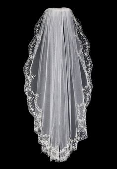 Flower Embroidered Scalloped Waist Bridal Veil