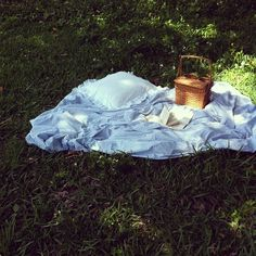 """""""This moment contains all moments. Lewis - picnic picnic for picnic Summer Picnic, Summer Baby, Enjoy Summer, Summer Time, Summer Hygge, Picnic At Hanging Rock, Run Away With Me, Dreamy Photography, Belle Beauty And The Beast"""