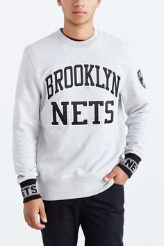 outlet store baa06 87654 Mitchell   Ness Brooklyn Nets Team Sweatshirt - Urban Outfitters