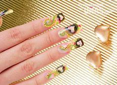 Diseño en uñas (nails): Creando con sentimiento Trabajo de: Nail Planet Técnica: Ingrid Alvares Modelo: Ivetth Varela Técnica: Encapsulado Retoque en: 3 semanas Nivel de trabajo: Intermedio Evento: Quince Años y Graduaciones