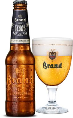 Brand Zwaar Blond is de winnaar van de Brand Bierbrouwwedstrijd 2013. Vijf verschillende hopsoorten geven dit bier zijn frisse en fruitige smaak. En het zware karakter is afkomstig van de combinatie van tarwemout, gerstemout en caramout.